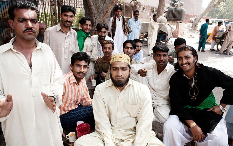 Friendly locals – Lahore, Pakistan (2006)